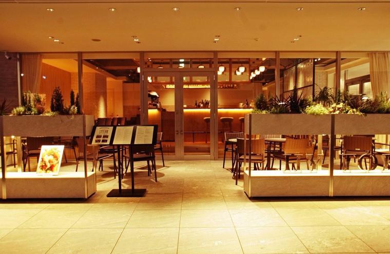 「ダイニングカフェレストラン」